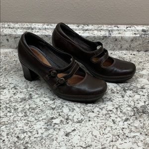 Clarks Artisan heels 7 1/2 M